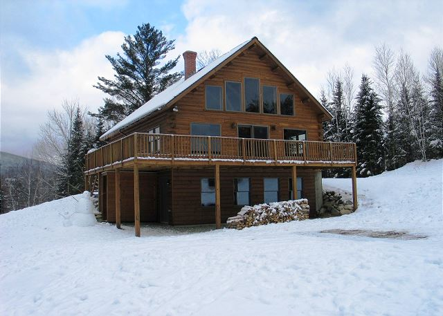 FRANCONIA'S RANGE VIEW LOG HOME