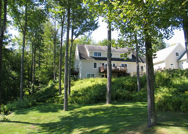 The VanderWilderness Escape has plenty of land to explore and views to take in!