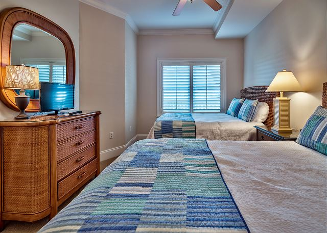 Fourth bedroom with TWO Queen beds