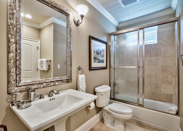 Bathroom adjoining queen bedroom