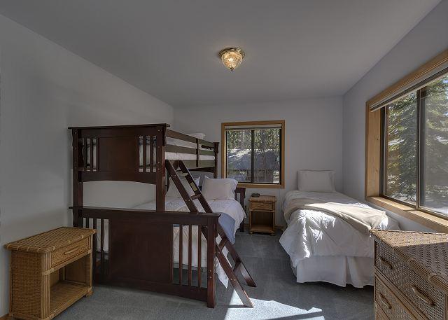 Bedroom 3 - 2 Twins Plus Queen