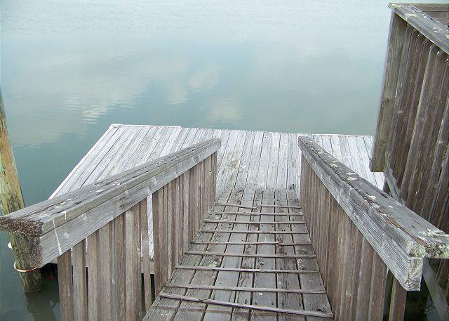 Suits Us-Dock