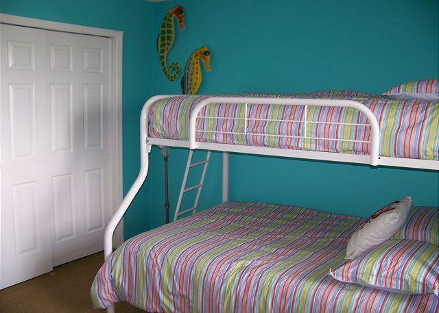 HE601-Bedroom2
