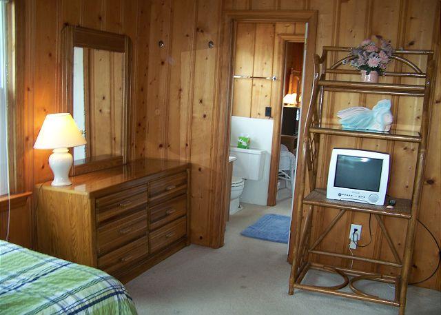 Suits Us-Bedroom2
