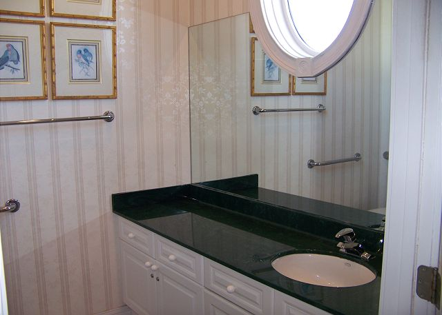 Cape Cobb - Bathroom 2