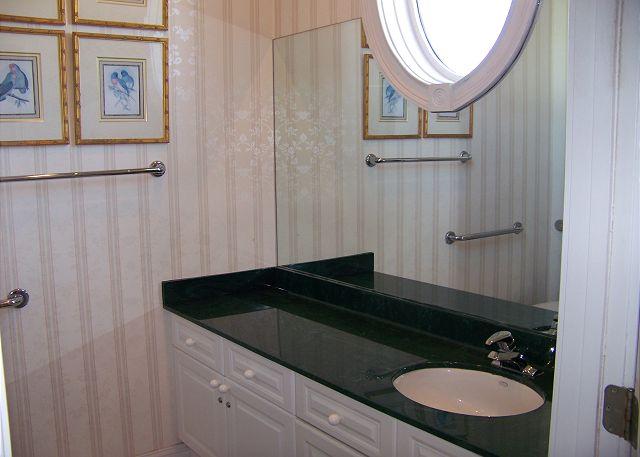 Cape Cobb - Bathroom 2