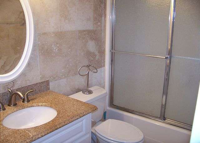 HE601-Bathroom2