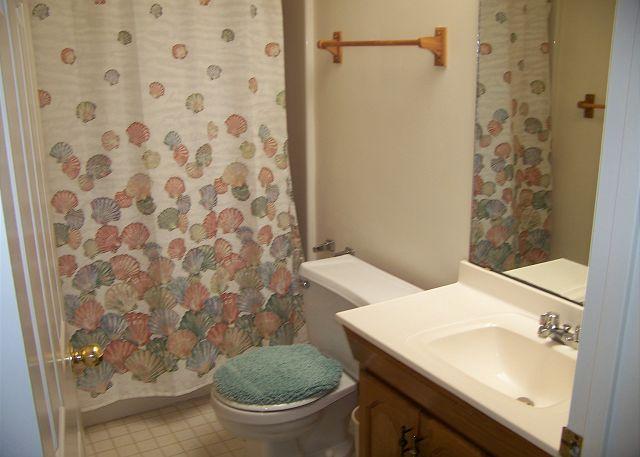 Suits Us-Bathroom3