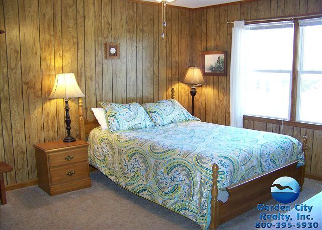 Inlet Joy - Bedroom 1