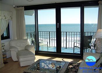 Horizon East 301 - Living Area