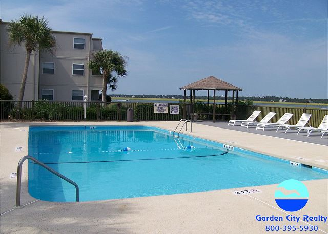 Inlet Pointe - Pool and Sundeck