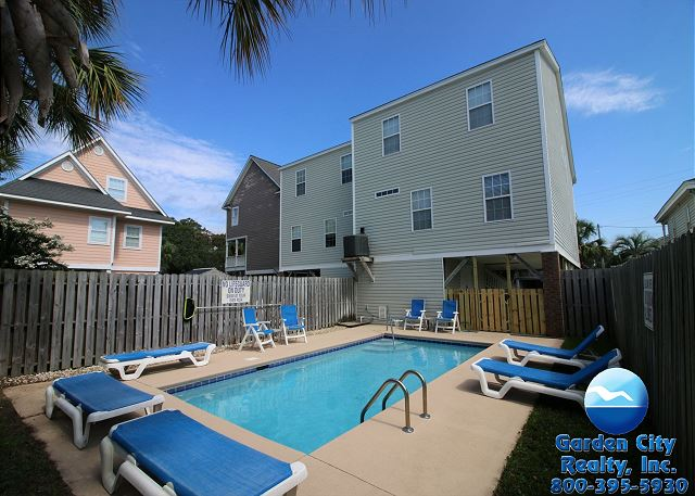 Pleasant Stardust Within One Block To Beach Surfside Beach Rentals Home Interior And Landscaping Elinuenasavecom