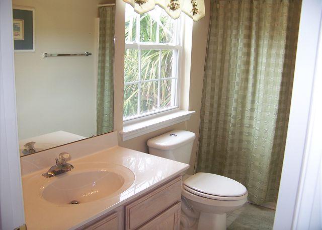 Bluewater - Bathroom 1