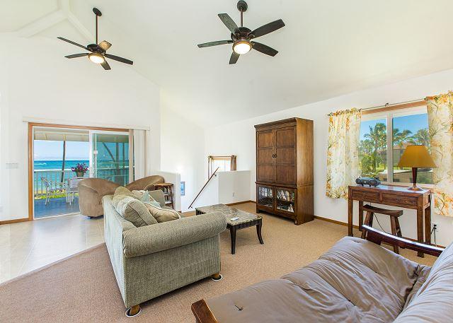 Upstair living area, ocean views