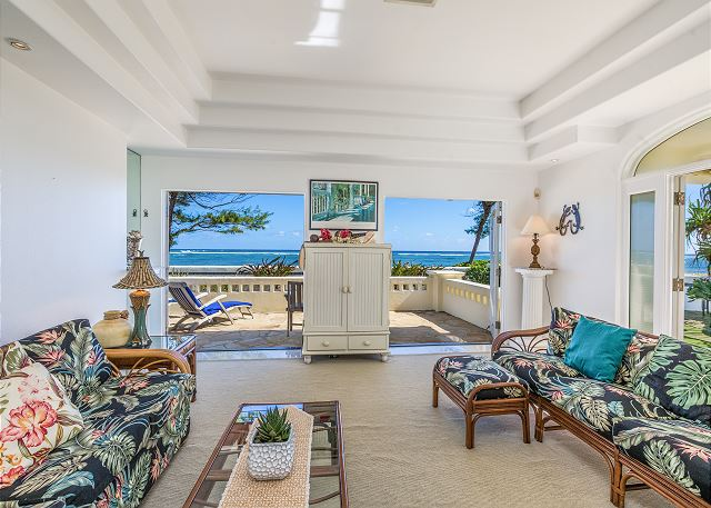 Air conditioned beach home with ocean views