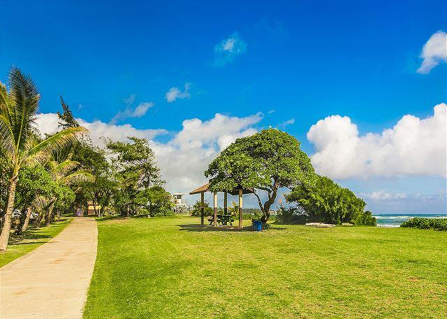 Path from Kaha Lani Resort to Lydgate Beach and Kamalani Playgro