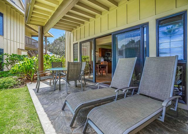 Relax to Beautiful Ocean Views from the Lanai