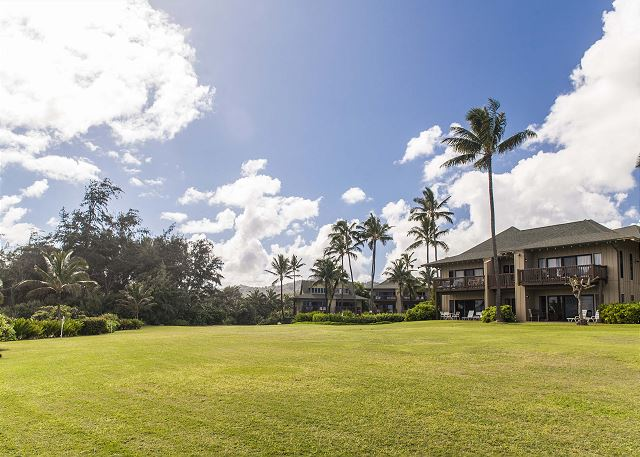 Kaha Lani Resort Grounds