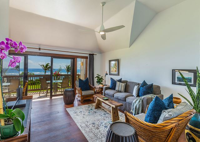 Spacious Oceanfront Living Area