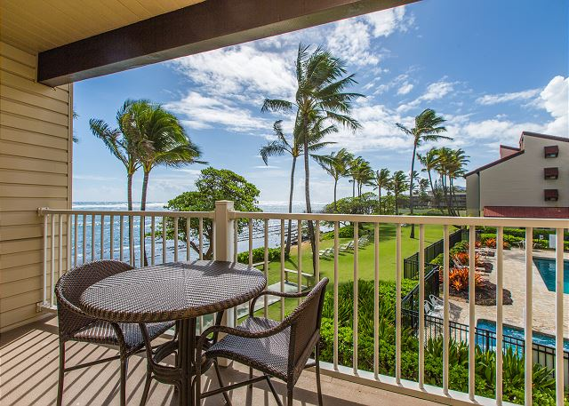 Private lanai with gorgeous ocean views!