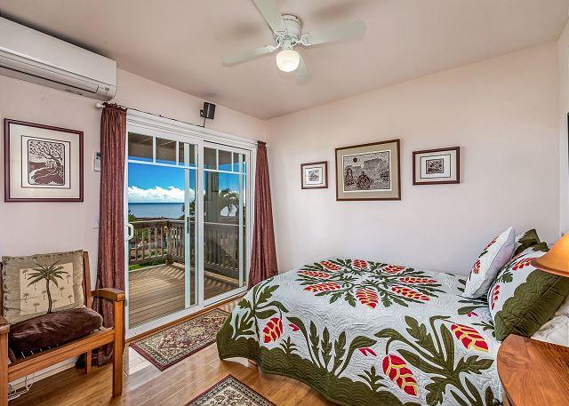 "Downstairs ""Duke Kahanamoku' 3rd bedroom."