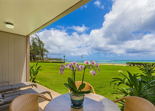 Oceanfront lanai to relax, hear and see the ocean.
