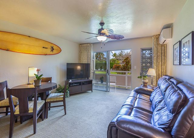 Living Area with Private Lanai