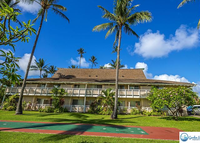 Beautiful Plantation Hale Suites in Waipouli