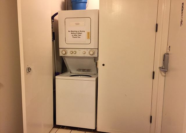Shared Washer and Dryer with 1208A