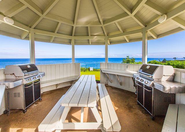 Resort BBQ Area overlooking the Pacific Ocean