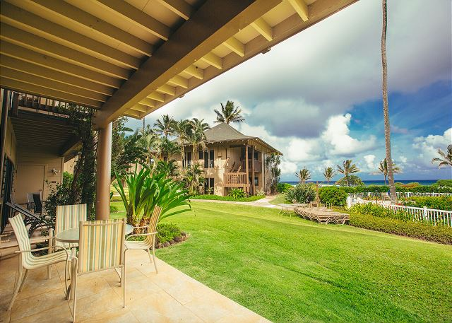 Private Lanai, Ocean and Pool Views