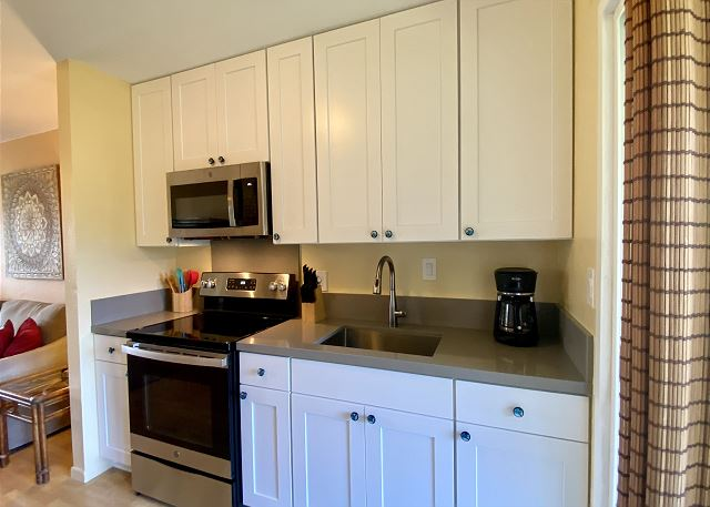Remodeled Full Kitchen for Dining In