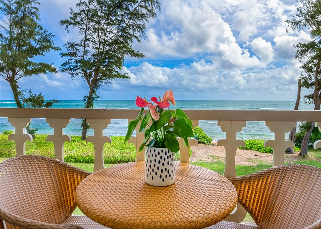 Private Top Floor Lanai with Oceanfront Views