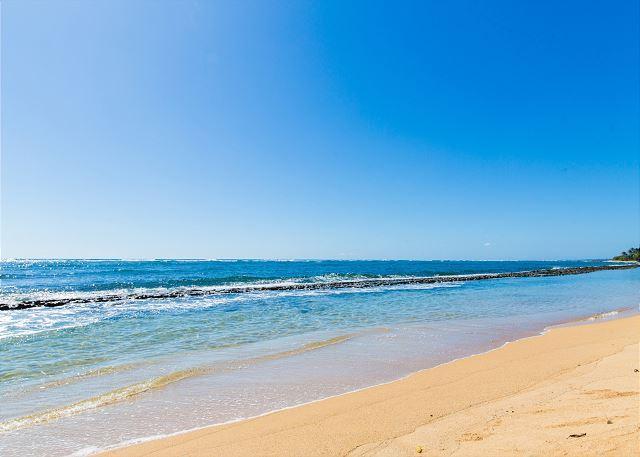 Fuji Beach a short walk from Kapaa Shore