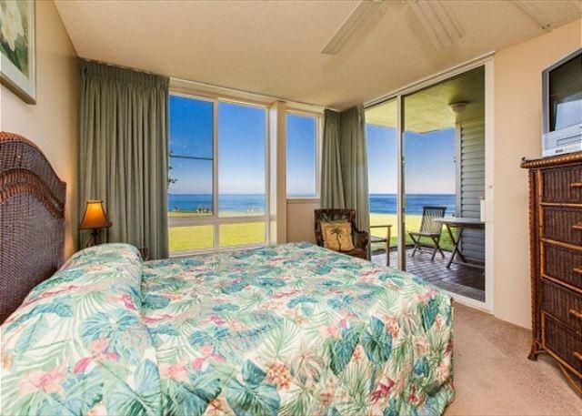 Ground floor bedroom with outdoor lanai facing the ocean.