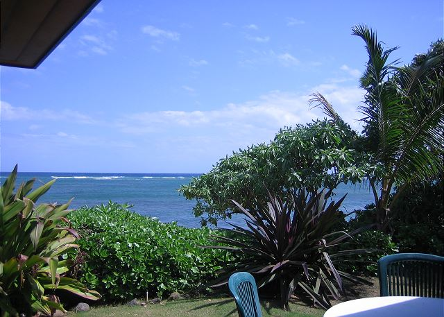 Oceanfront view from Niulani