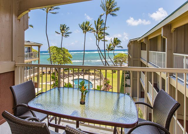 Enjoy sunsets and moonrises from your Oceanfront Lanai
