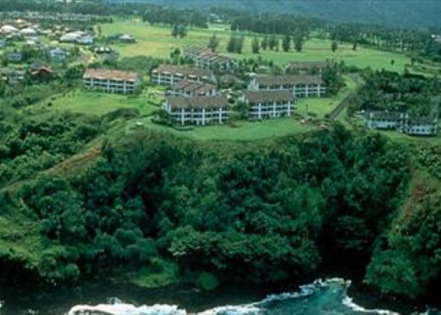 Cliffs at Princeville, Building 8 on the ocean bluff