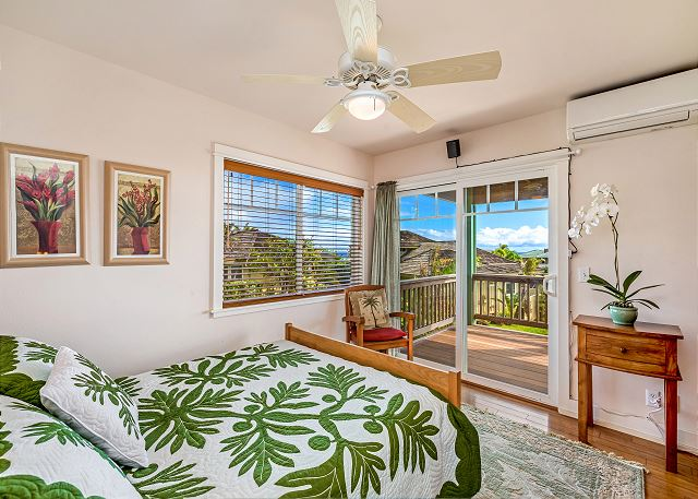 Downstairs bedroom with ceiling fan, ocean views, AC and more!
