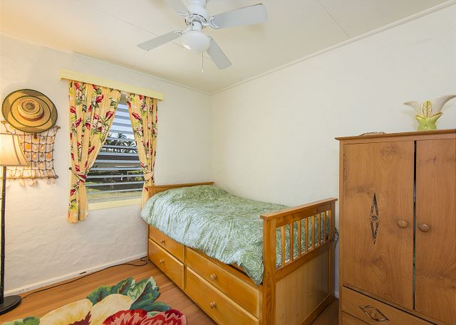 Second bedroom with twin trundle beds