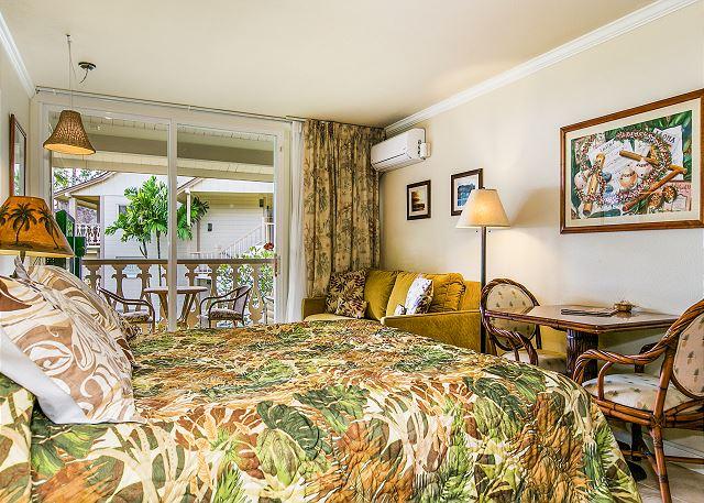 Studio Room with Queen Bed