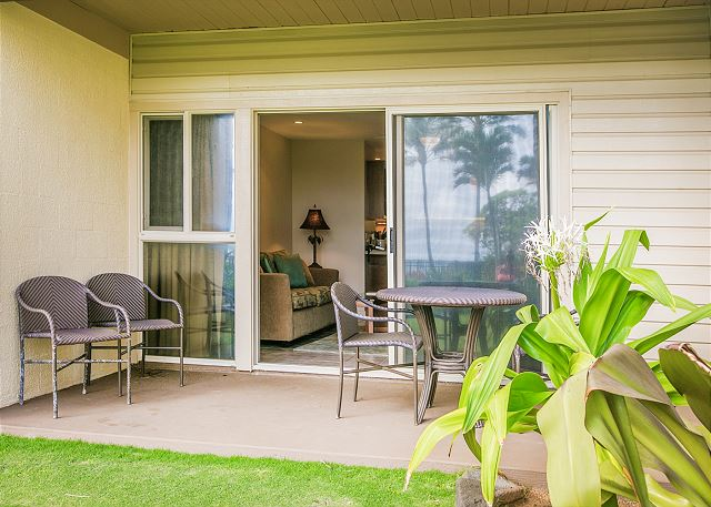 Lanai opens up to beautiful ocean views and the pool