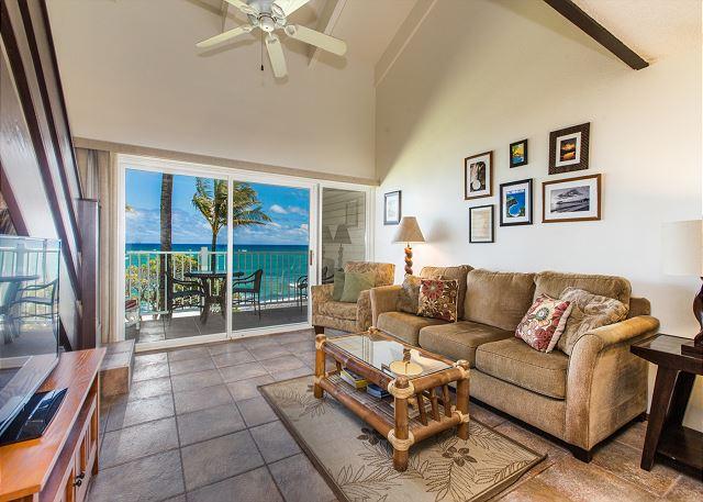 Oceanfront Living Room w/sofa/sleeper
