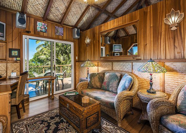 Bali Hai Cottage Living Area with TV, Ceiling Fan & privacy!