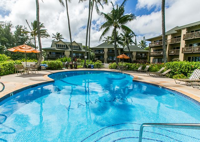 Kaha Lani Resort Pool & BBQ Area