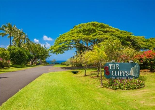 The Cliffs at Princeville Entrance