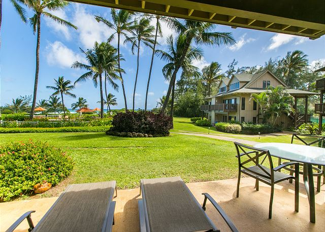 This unit is conveniently located near the pool and walking distance to the beautiful white sandy beach just steps from the Kaha Lani Resort.