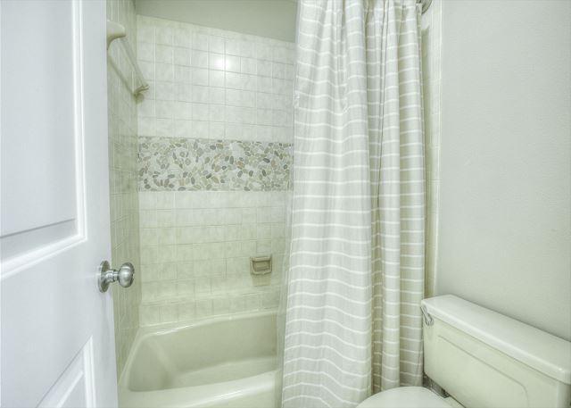 Tivoli 5245 Guest Bathroom