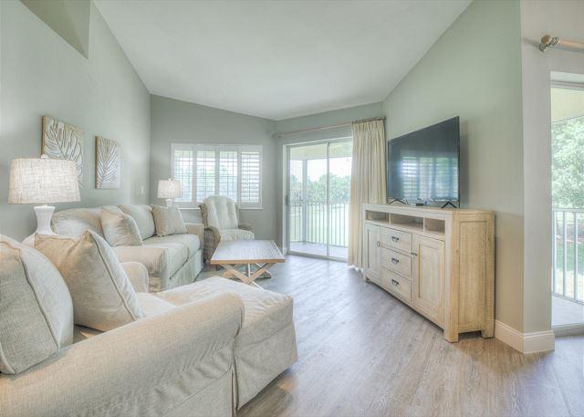 Tivoli 5245 Living Room