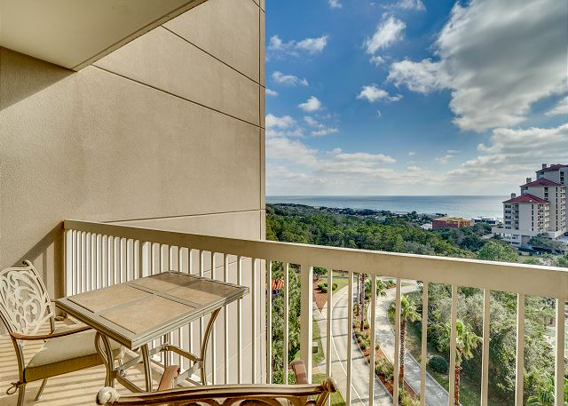 Summit 811 Balcony View